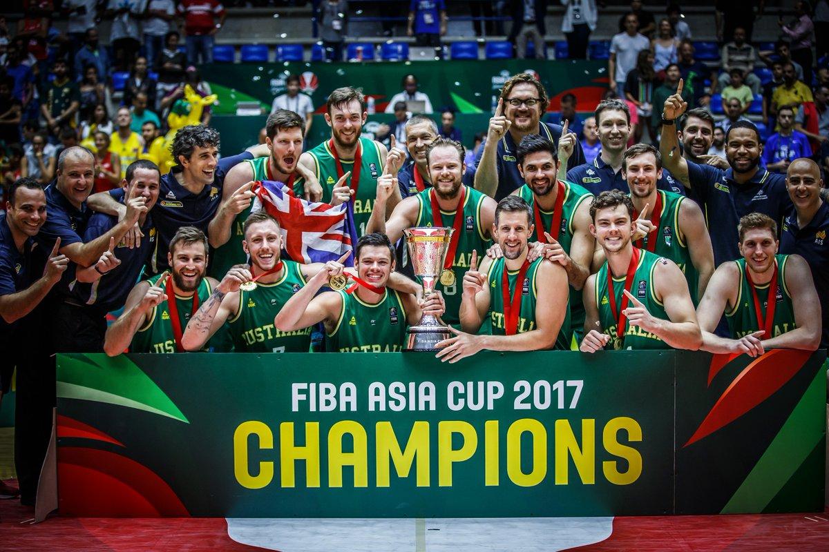 戴拉維多瓦與貝恩斯恭喜澳大利亞獲得亞洲杯冠軍