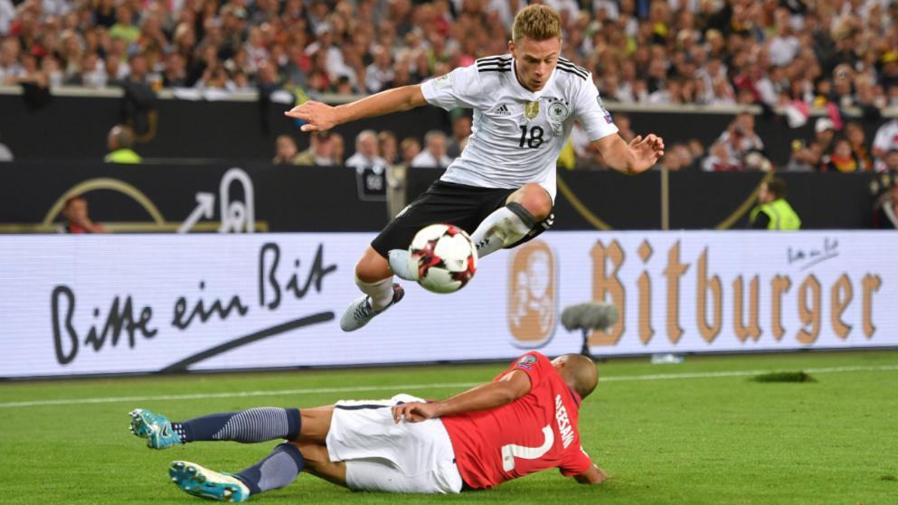 追平贝肯鲍尔!基米希连续21场为德国踢满全场