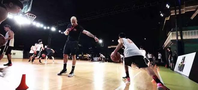上海男篮体能外教:承诺要给姚明带来一个总冠军