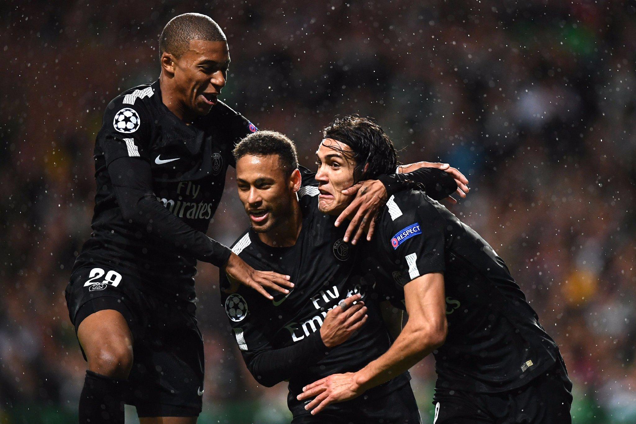 GIF:新纪元,内马尔代表巴黎攻入欧冠首球