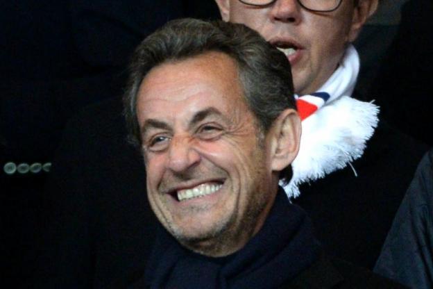 萨科齐昨晚带儿子一起现场观看<a href=http://bf.310bf.net target=_blank class=infotextkey>巴黎</a>的欧冠比赛