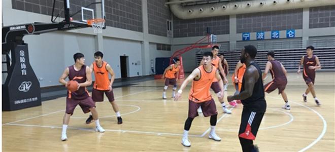 鲁媒:张庆鹏有望加盟山东队,各项谈判进展顺利