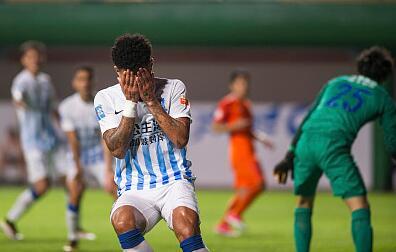 曝乌索返回巴西治疗膝伤,预计三周后返回中国