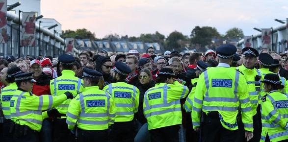 官方:阿森纳与科隆因球迷骚乱被欧足联指控