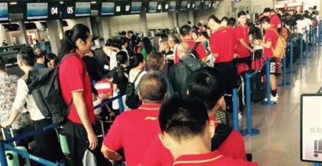 上海男篮前往新加坡征战鱼尾狮杯