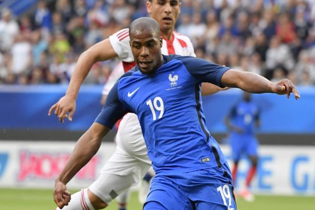 库尔扎瓦和西迪贝在训练中受伤,法国后防用人捉襟见肘