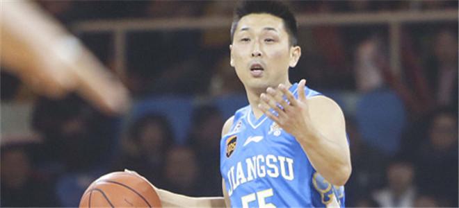 胡雪峰告别赛场担任江苏男篮总教练