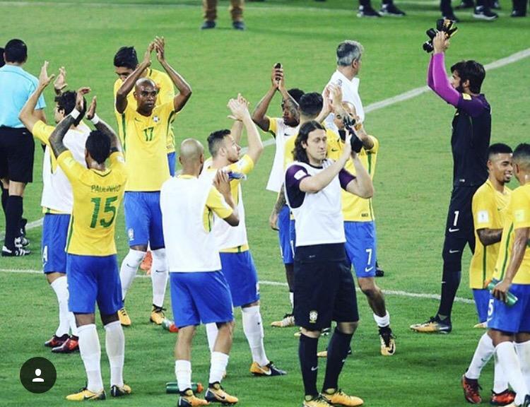 塔尔德利晒巴西队庆祝画面:很骄傲成为团队的一部分