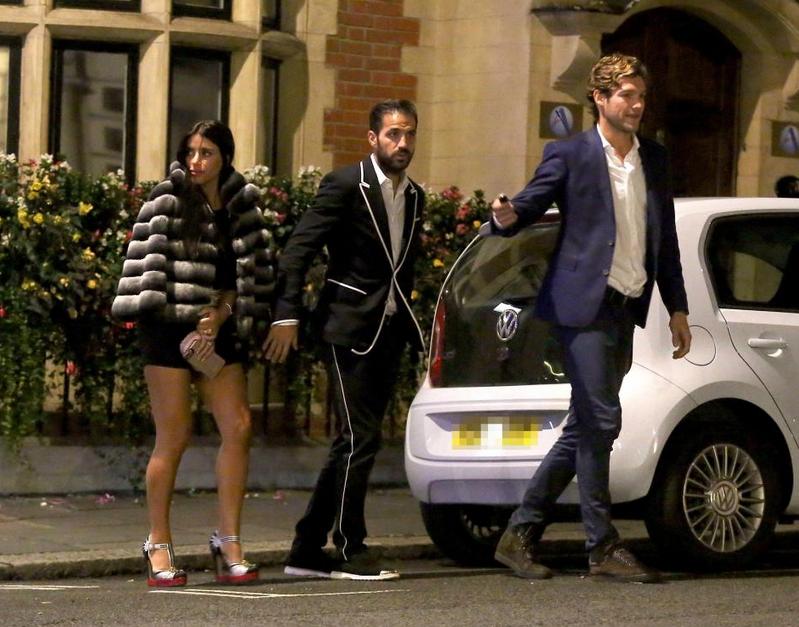 忙里偷闲,小法和M-阿隆索现身伦敦夜店