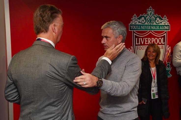 范加尔:穆里尼奥来曼联的方式不优雅,导致了我被解雇
