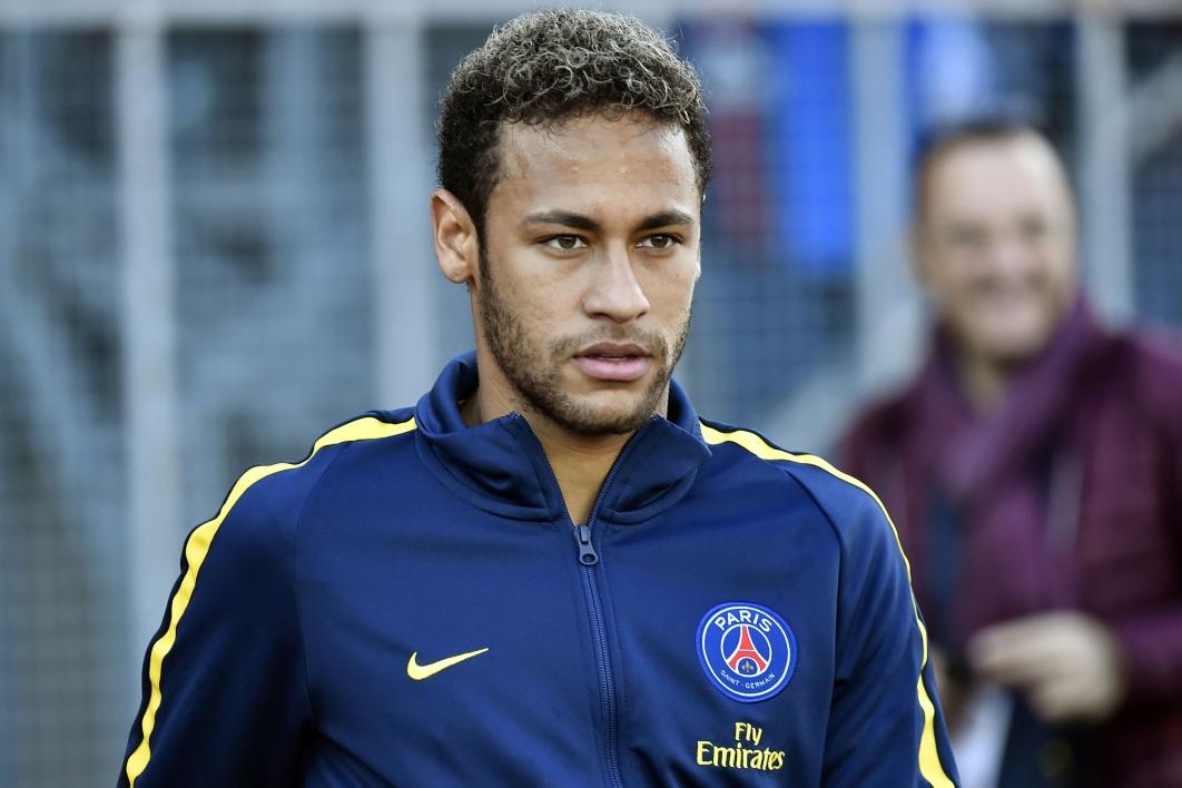 法媒:埃梅里通过高科技设备,实时监测巴黎球员状态和伤病