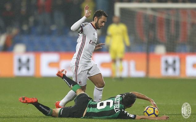 罗马尼奥利进球苏索建功,AC米兰客场2-0萨索洛