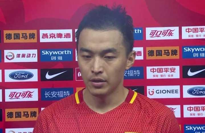 冯潇霆:对自己的表现不满意,打法战术只发挥了30%