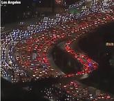 巧合!洛杉矶的交通状况酷似开拓者队标