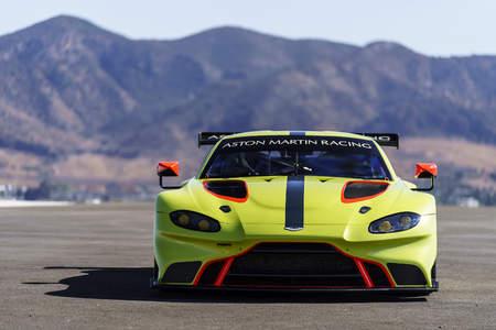 如虎添翼,阿斯顿·马丁正式发布全新Vantage GTE 赛车