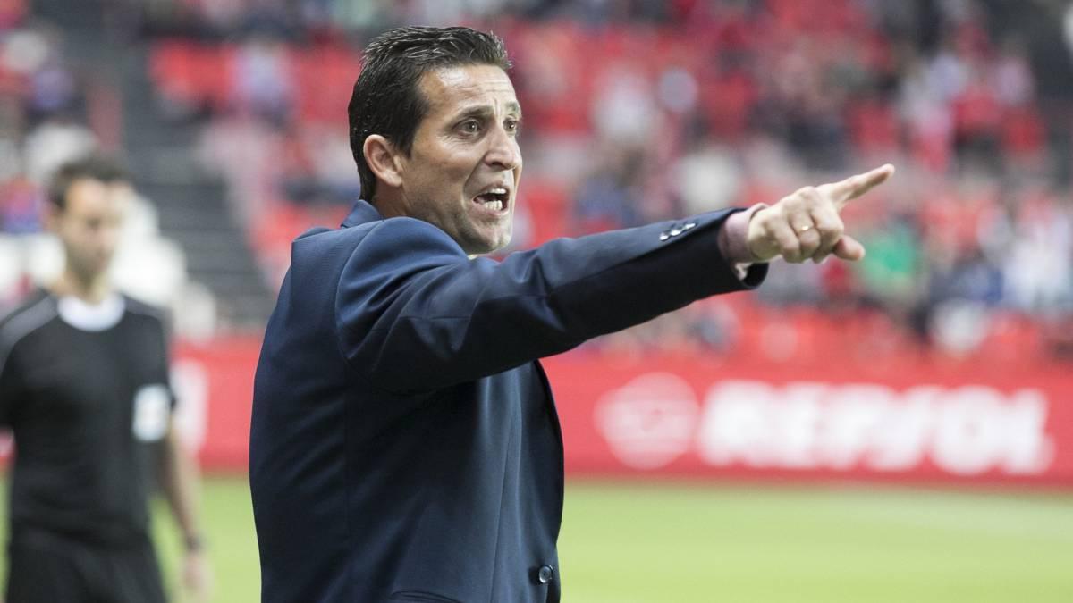 官方:科尔多瓦赛季二度炒帅,梅里诺7场不胜下课