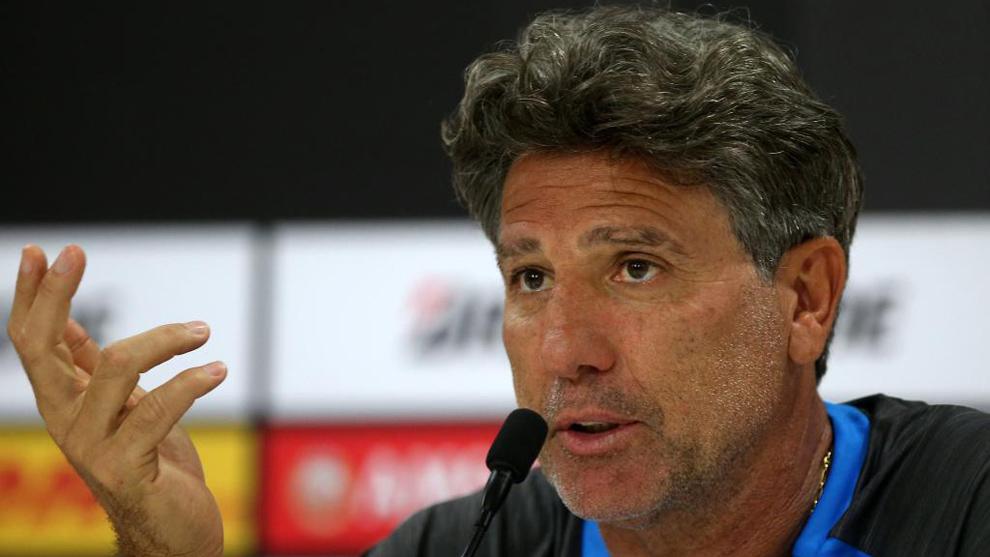 格雷米奥主教练:希望阿图尔能留下来,但这很难了