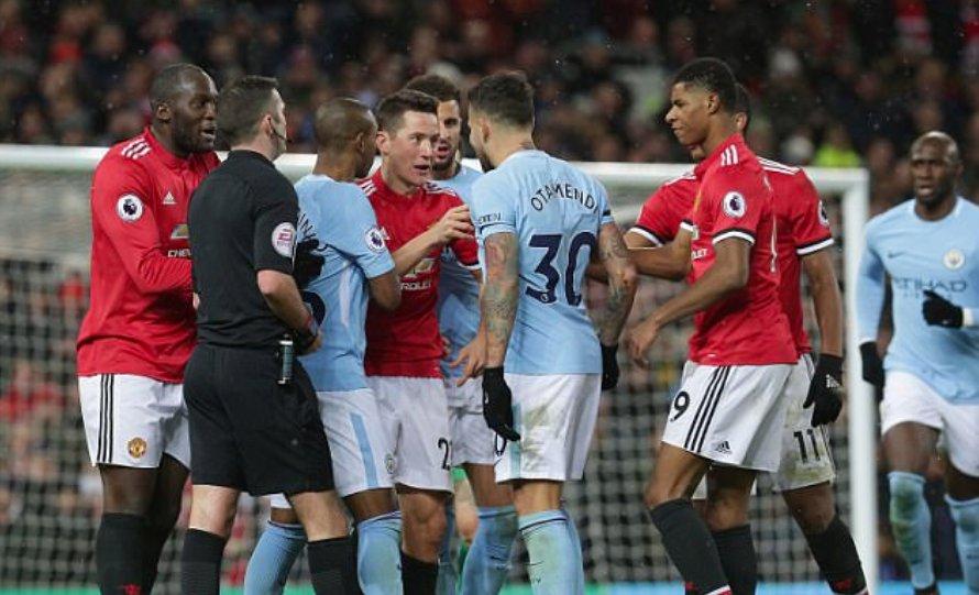 曼市德比赛后发生冲突,穆里尼奥被泼奶,阿尔特塔眼睛被打