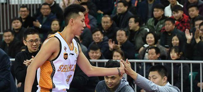 山西前锋张泽龙赛季首秀砍下25分4篮板