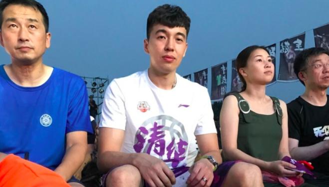 曾令旭受邀随清华大学男篮出席全明星周末