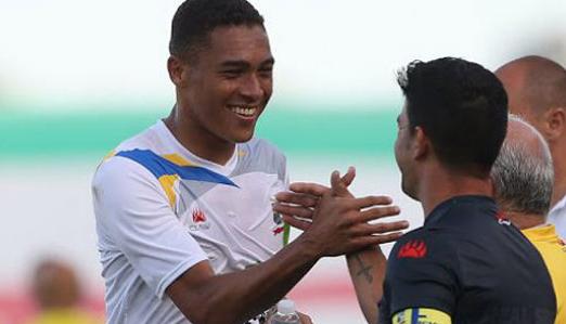 罗体:那不勒斯将签巴西高中锋维尼修斯