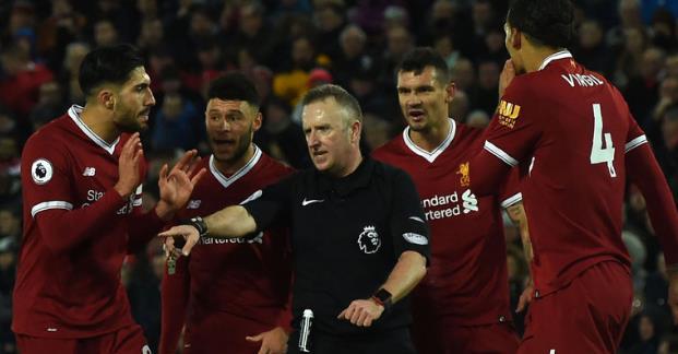 天空体育:利物浦热刺之战裁判将继续执法