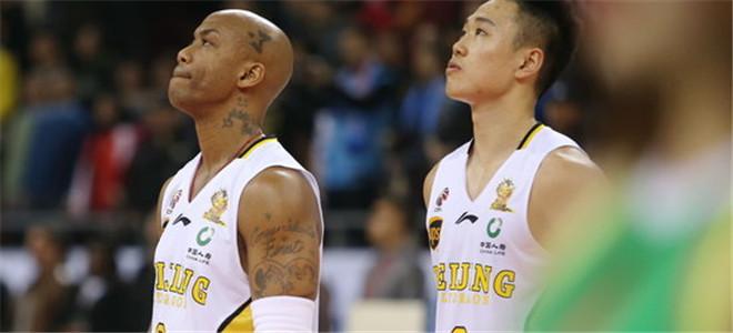 马布里:感谢贺希宁让出3号,会为中国篮球做贡献