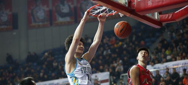 王哲林豪取36分,创本赛季个人得分新高