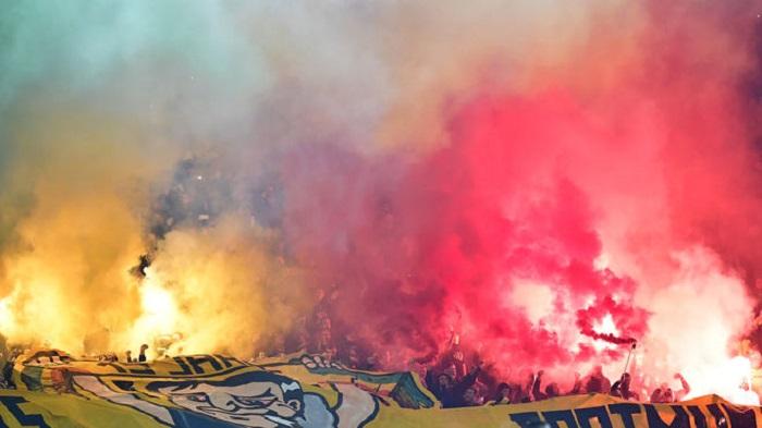 官方:多特蒙德因球迷不当行为被罚款5万欧元