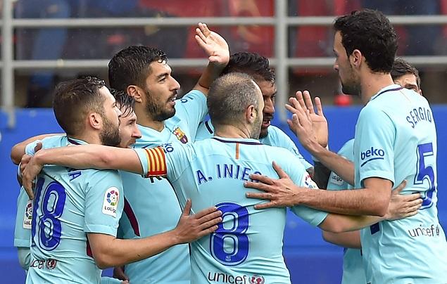 苏亚雷斯建功阿尔巴破门,巴塞罗那客场2-0十人埃瓦尔