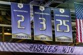 华盛顿大学正式退役小托马斯的2号球衣