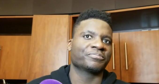 卡佩拉:我就是努力冲击篮下,准备接住传球