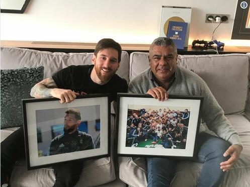 阿根廷足协主席前往巴塞罗那,拜访梅西和巴托梅乌