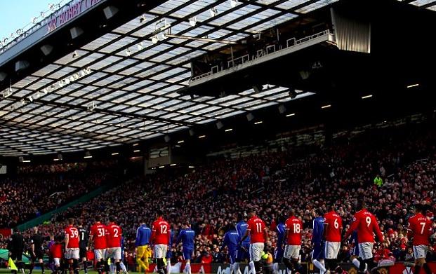 邮报:曼联搁置球场扩建计划,优先为穆帅提供引援资金
