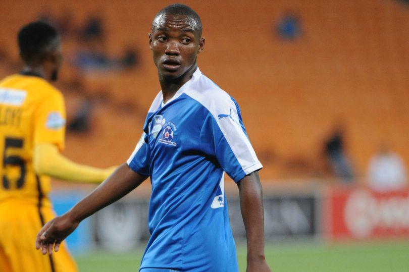 不幸!21岁南非国脚在踢比赛时被闪电击中陷入昏迷