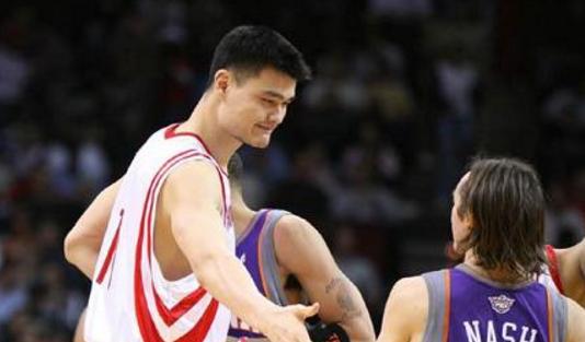 13年前的今天:姚明抢下生涯最高的22个篮板