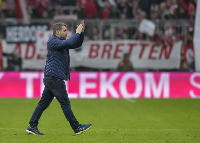 汉堡宣布解雇主帅霍勒尔巴赫