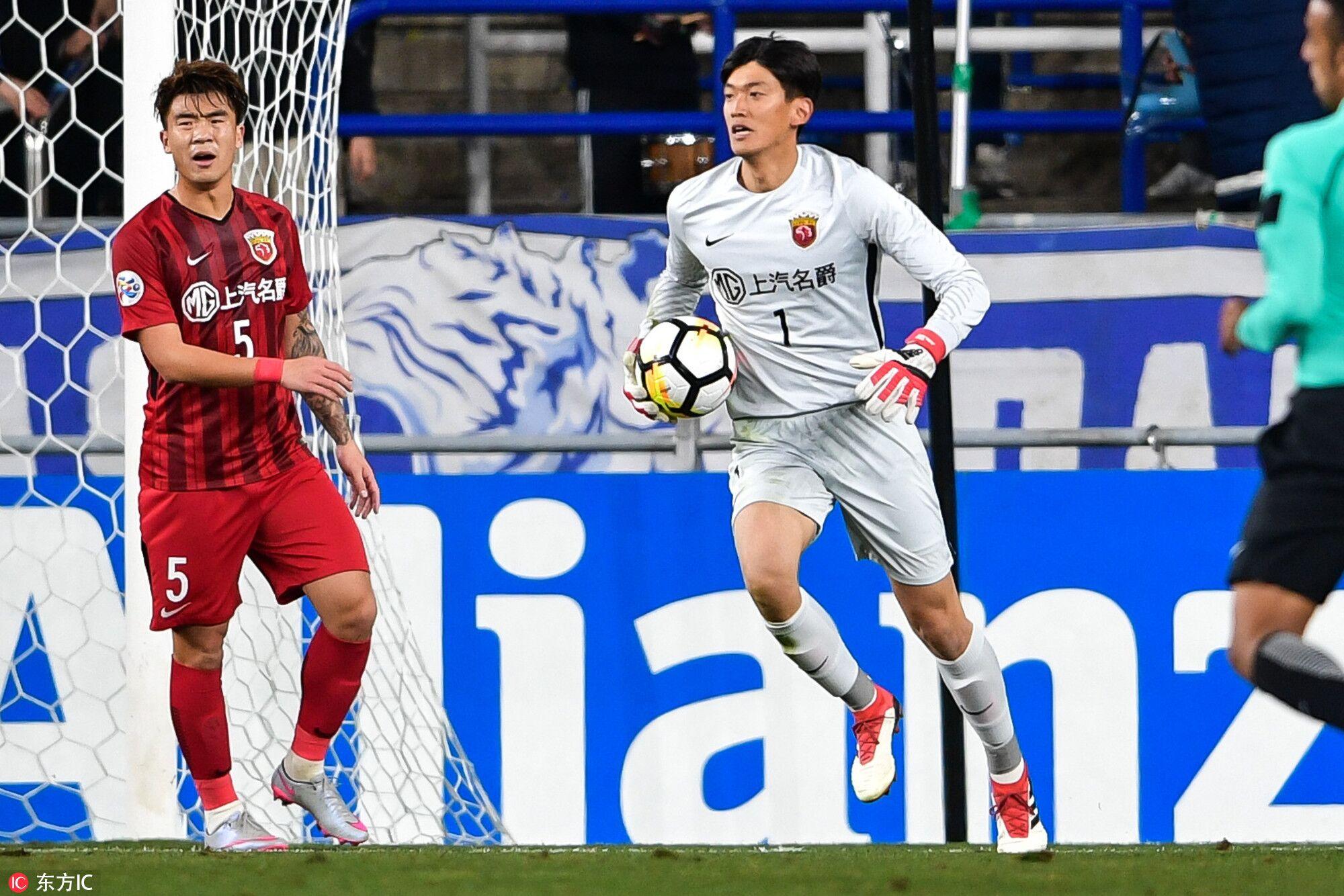 颜骏凌谈对方错失绝佳机会:运气也是足球比赛的一部分