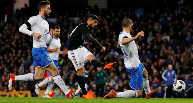 梅西缺阵巴內加兰奇尼破门,阿根廷2-0意大利