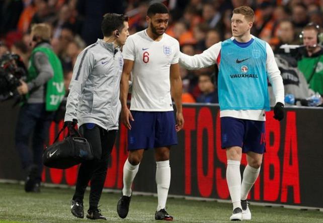 乔-戈麦斯代表英格兰上场6分钟即伤退