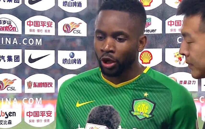 巴坎布:球队精气神不错,我现在体能状况很好