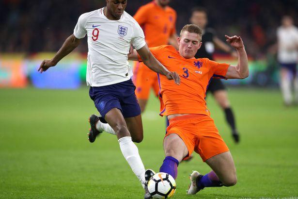 镜报:曼城领先对荷兰18岁小将德里赫茨的争夺