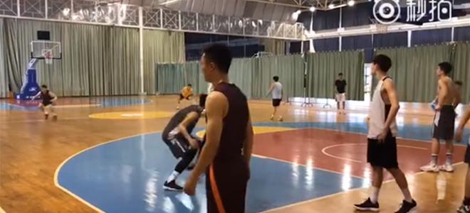 胡雪峰晒江苏队训练视频:球员实力是靠练出来的