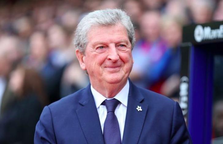 镜报:霍奇森想与水晶宫续约两年,成为英超史上最年长主帅