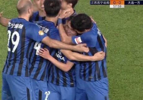GIF:赛季第五球!黄紫昌接吉翔妙传破门,苏宁1-0一方