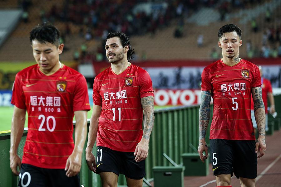 广州日报:卡帅入主以来,球队战术层面退步明显