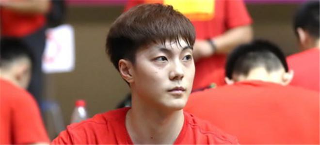 胡明轩:骨头已经长好,基本对抗没太大问题