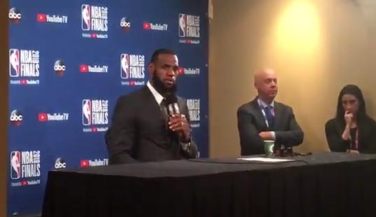 詹姆斯谈JR:我不知道当时他是怎么想的