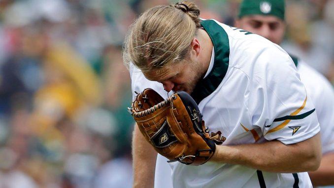包装工线卫马修斯慈善垒球赛中遭遇鼻梁骨折