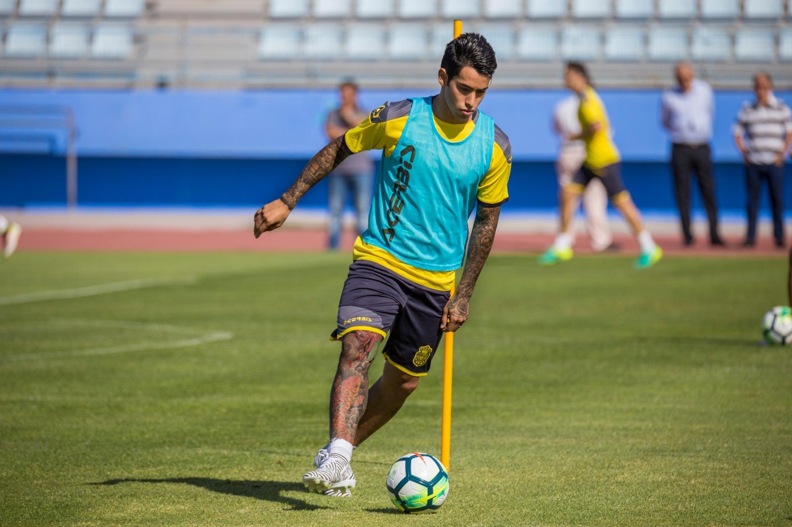 西媒:拉斯帕尔马斯前锋阿劳霍可能将赴中超踢球